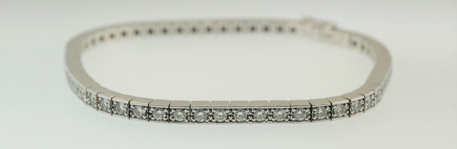 18Carat White Gold Cartier Diamond Tennis Bracelet