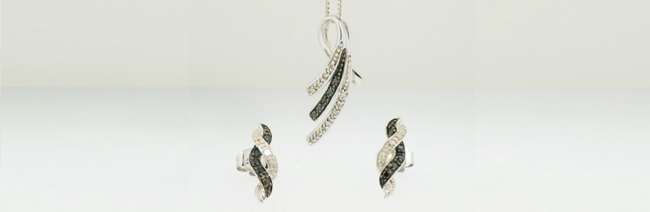 9ct White Gold Black & White Diamond Earring & Pendant Set with Curb Chain