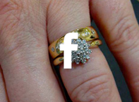 Jollys Jewellers on Facebook