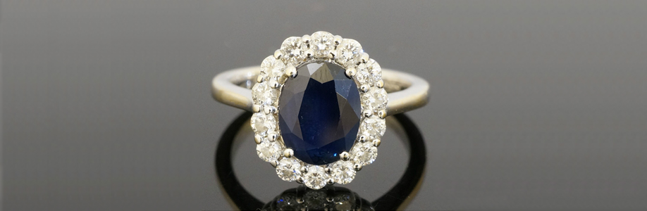 18ct Gold Sapphire and Diamond Oval Cluster Ring