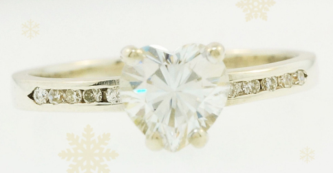How To Pick The Perfect Christmas Engagement Ring