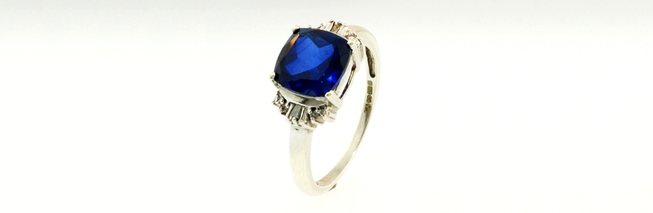 White Gold Sapphire Ring