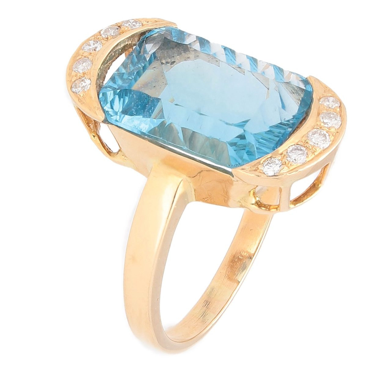 18Ct Yellow Gold 8.88ct Blue Topaz Solitaire W/ Diamond