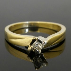 14Carat-Yellow-Gold-Princess-Cut-Diamond010ct-Solitaire-Ring-Size-L-272305155889